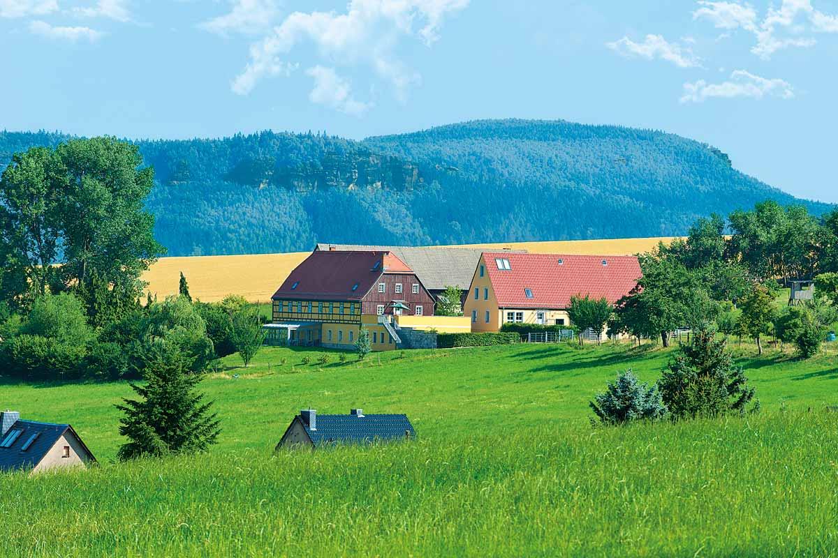 Blick auf den Alten Gutshof Papstdorf