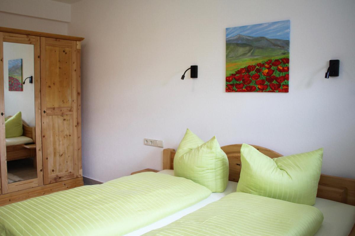 Schlafzimmer 2 mit gemütlichem Doppelbett