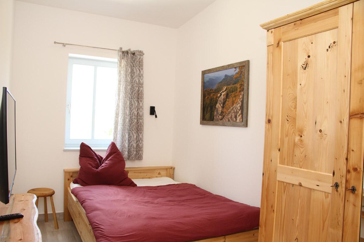 Schlafzimmer 3 mit franz. Bett