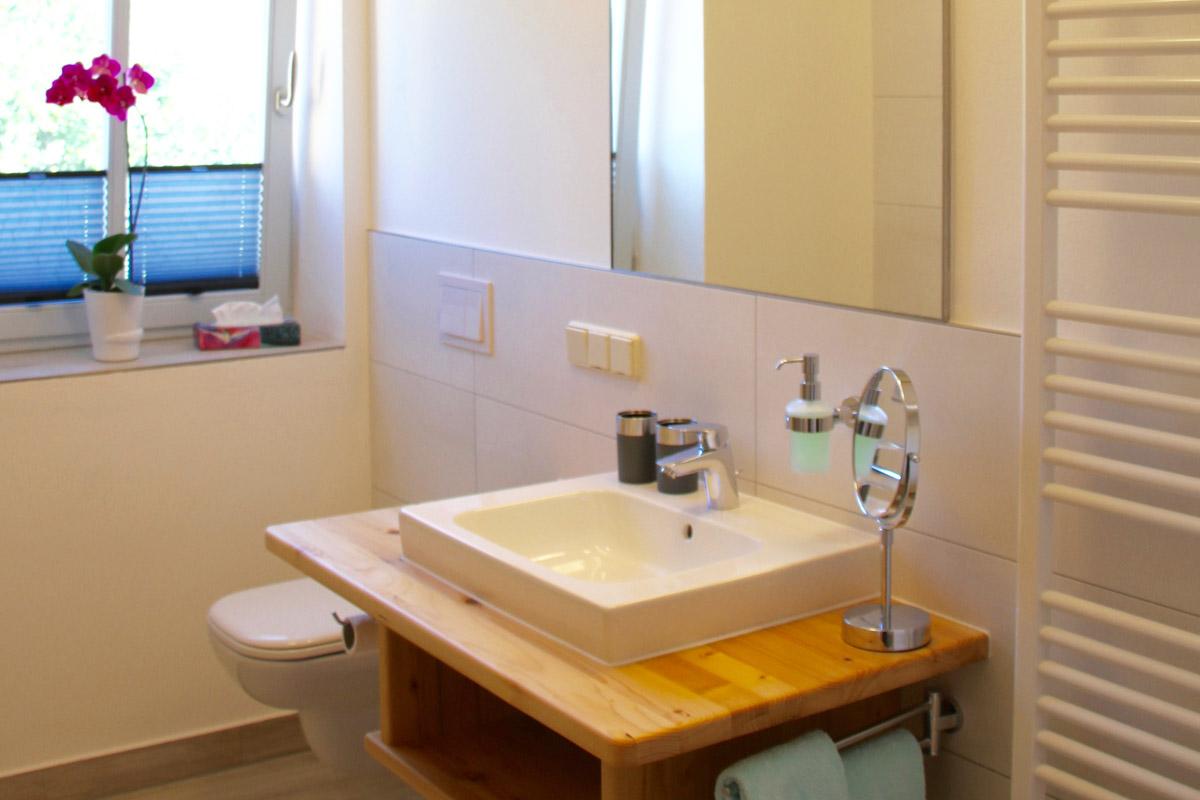 Feriensuite Falkenstein - Badezimmer mit WC